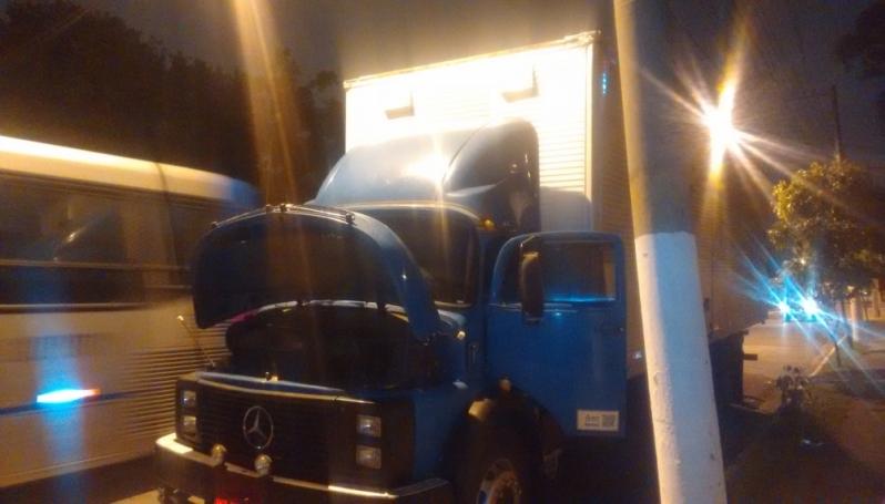 Socorro Mecânico para Veículos Pesados Jardim Guarapiranga - Telefone Socorro Mecânico
